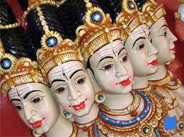 En plein préparatifs dans VOYAGE EN INDE ile-maurice-temple-hindou-2