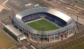 """De afbeelding """"http://t3.gstatic.com/images?q=tbn:3ueTsAzTfJw8GM:http://www.google-earth-wereld.nl/stadions/stadion_feyenoord_de_kuip_01.jpg"""" kan niet worden weergegeven, omdat hij fouten bevat."""