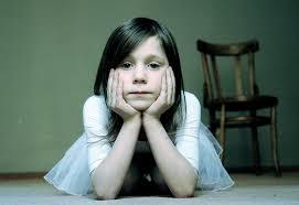 http://t3.gstatic.com/images?q=tbn:7OHzR8LHTy6TTM::simplemom.net/wp-content/uploads/2010/03/girl-waiting.jpg&t=1&h=186&w=271&usg=__0mfnfG6SOBNGBaY9tjigSv66tqM=