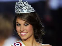 Laury Thilleman, 19 ans - 1185331