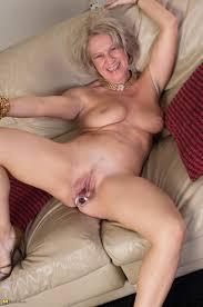 fat mature hanging boobs