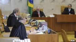 BBC Brasil - Notícias - Oposição aposta em mensalão para ...