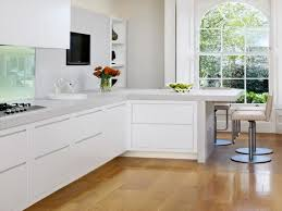 Small White Kitchen Design Ideas by Best 20 Modern L Shaped Kitchens Ideas On Pinterest I Shaped