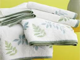 Towel Folding Ideas For Bathrooms Wonderful Guest Bathroom Towels How To Decorate Bathroom Towels