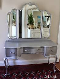 Vintage White Bedroom Furniture Amazing Silver Bedroom Makeup Vanity Sets Mirror Relaxing