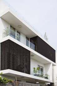 contemporary family home adapted to a tropical atmosphere in architects famous modern contemporary home house ground floor accommodates the living area and open kitchen modern architecture designs