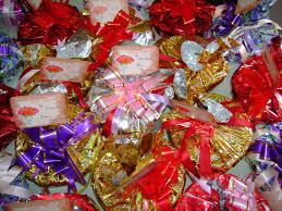 gift wrapping spinnin u0027 a yarn