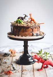 How To Decorate Chocolate Cake At Home 41 Easy Birthday Cake Decorating Ideas That Only Look Complicated