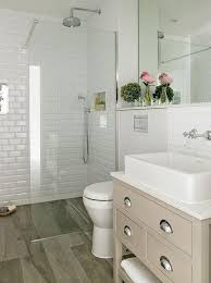 Small Master Bathroom Remodel Ideas by Best 25 1950s Bathroom Ideas On Pinterest Retro Bathroom Decor