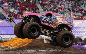 bigfoot monster truck wiki scarlet bandit monster trucks wiki fandom powered by wikia