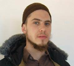 السويدي سيبستيان بلاسكو المتخصصّ في الاقتصاد الدولي يروي قصّة إسلامه ..