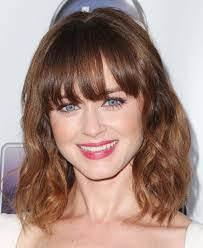 medium length straight hairstyles for round faces 20 fabulous hairstyles for medium and shoulder length hair for women