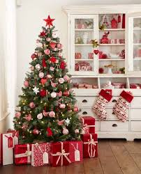 Christmas Home Decorations Pictures Best 25 Red Christmas Decorations Ideas On Pinterest Christmas