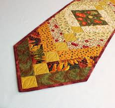 Quilted Table Runners by 75 Best Quilting Table Runners U0026 Placemats Images On Pinterest
