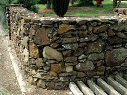 Stone Cladding For Garden Walls by Building Good Looking Stone Walls