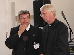 Msgr. Georg Austen und Domkapitular Msgr. Ansgar Lüttel vor der Diskussion in der Kleinen w.t. Dass von Paderborn aus schon früh die Katholiken im Norden ... - austen