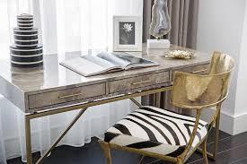Bay Window Desk Desk In Front Of Window N On Decorating Ideas