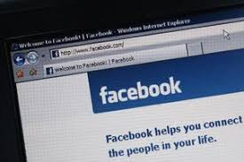 Colleges Look at Social Media