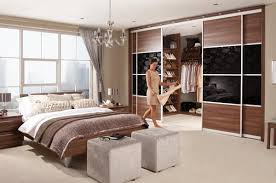 Walk In Closet Design Ideas To Find Solace In Master Bedroom - Master bedroom closet designs