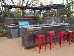 Diy Outdoor Kitchen Ideas Eight Backyard Makeovers From Diy Network U0027s Yard Crashers Yard