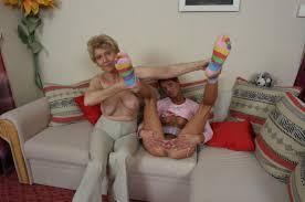 bad  parenting nude mom |