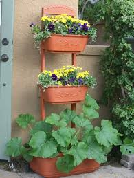 Vertical Garden Vegetables by Organic Gardening Magazine Features The Monkeypots Perfect Patio