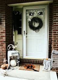 eeeeek it u0027s a pet cemetery halloween front door discover