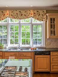 Elegant Kitchen Curtains by Best 20 Kitchen Valances Ideas On Pinterest Kitchen Curtains