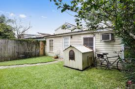 Mother In Law Suite Backyard by For 477 5k You Can Buy This Charming Eastlake Shotgun With A