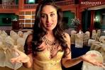 KOLLYWOOD MIRCHI: Kareena kapoor hot boob show in golden dress