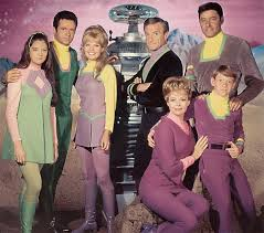 Netflix encomenda remake da série clássica Perdidos no Espaço ...