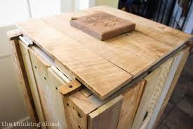 Free Wooden Garbage Box Plans by How To Build A Rustic Pallet Recycle Bin Or Trash Can U2014 The