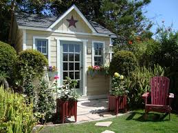 Backyard Office Prefab by Hummingbird Custom Home Studio Summerstyle