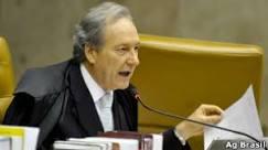 Após condenar Dirceu, STF retoma julgamento do mensalão