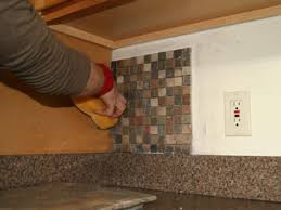 glass tiles for kitchen backsplashes kitchen tec products how to install kitchen backsplash youtube