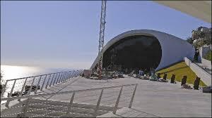 Após dez anos de disputas, Itália inaugura auditório de Niemeyer