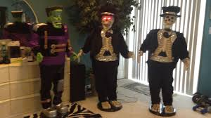 Life Size Skeleton Halloween by Gemmy Life Size Singing And Dancing Skeleton Youtube
