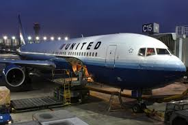 United Airline Baggage by Baggage Handler Trapped In Cargo Hold During Flight Wreg Com