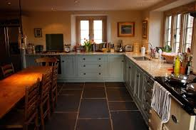 Cottage Kitchen Backsplash Ideas Country Cottage Kitchen Decor U Shaped Solid Knotty Pine Wood
