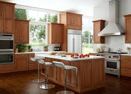 cherry cabinets in kitchen 22 best cherry cabinets images on pinterest cherry cabinets