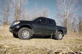 nissan frontier jacked up 2 5in suspension lift kit for 05 17 nissan frontier xterra 867