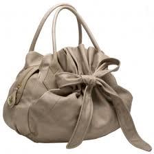 شنط جديدة زينة للبنات , Women's Bags images?q=tbn:ANd9GcQZMah8-lWFangzGFxZjoaogptOaSk_iWJNQ-D8F1Hmsh20-d82bQ