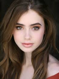 saga-tigre_kelsey-hayes_lilly-collins Kelsey Hayes (A Saga do Tigre – Colleen Houck). Kelsey ganha como a mocinha pentelha com a ... - saga-tigre_kelsey-hayes_lilly-collins-224x300