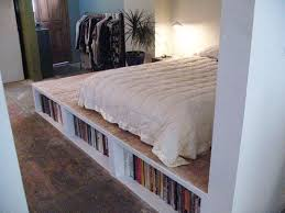 Diy Platform Bed Frame Designs by Best 25 Platform Bed Storage Ideas On Pinterest Bed Frame