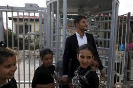 BaltimoreJewishLife com   Watch  Netanyahu Meets Rescued Yemeni