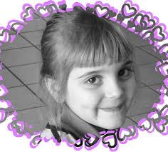C&#39;est une petite <b>Alice belle</b> comme une princesse qui a mérité ce petit bijou <b>...</b> - 62409790