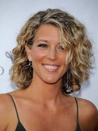 short haircuts curly hair pictures women short curly hairstyles hairstyles ideas