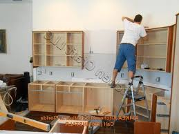 How To Install Kitchen Cabinets by How Much To Install Kitchen Cabinets Kitchens Design