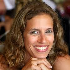 Dr  Raquel Antunes has a degree in Marine Biology  from the Faculty of Sciences of Lisbon University  and a PhD in Neurobiology from the New University of     The Biotechnological Potential of Microbiology in Portugal
