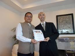 pimpandhost.net imgve.com imagesize:1152x864 $[ 02|日本国内では63名が合格しましたが、その中で8名の関西地区合格者代表が、アームストロング・チャグサン・インド総領事閣下より直接合格証を受取る栄誉に浴しました。